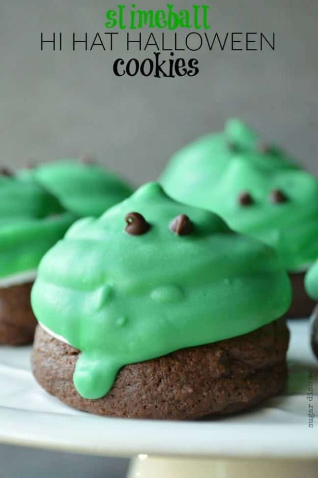 Cute Halloween Cookies - Slime Ball Hi Hat Halloween Cookies - Easy Recipes and Cookie Tutorials for Making Quick Halloween Treats - Spooky DIY Decorated Ghosts, Pumpkins, Bats, No Bake, Spiders and Spiderwebs, Tombstones and Healthy Options, Kids and Teens Cookies for School #halloween #halloweencookies
