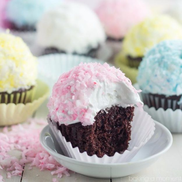 Cool Cupcake Decorating Ideas - Snowball Cupcakes - Easy Ways To Decorate Cute, Adorable Cupcakes - Quick Recipes and Simple Decorating Tips With Icing, Candy, Chocolate, Buttercream Frosting and Fruit - Best Party and Birthday Party Ideas for Kids and Adults http://diyjoy.com/cupcake-decorating-ideas