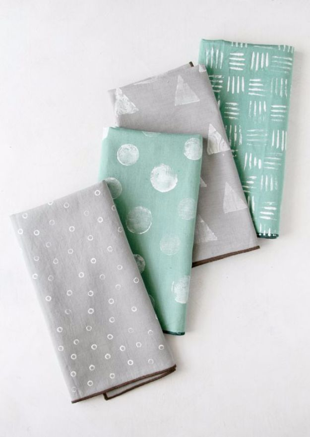 DIY Napkins and Placemats - Stamped Napkins - Easy Sewing Projects, Cute No Sew Ideas and Creative Ways To Make a Napkin or Placemat - Quick DIY Gift Ideas for Friends, Family and Awesome Home Decor - Cheap Do It Yourself Kitchen Decor - Simple Wedding Gifts You Can Make On A Budget