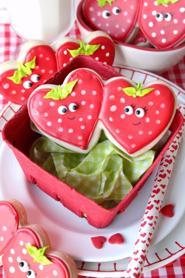 Cool Cookie Decorating Ideas - Strawberry Sweetheart Cookies - Easy Ways To Decorate Cute, Adorable Cookies - Quick Recipes and Simple Decorating Tips With Icing, Candy, Chocolate, Buttercream Frosting and Fruit - Best Party Trays and Cookie Arrangements http://diyjoy.com/cookie-decorating-ideas