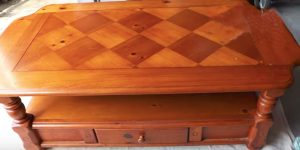 She Easily Transforms This Ugly Old Coffee Table Into Something Awesome. Watch!