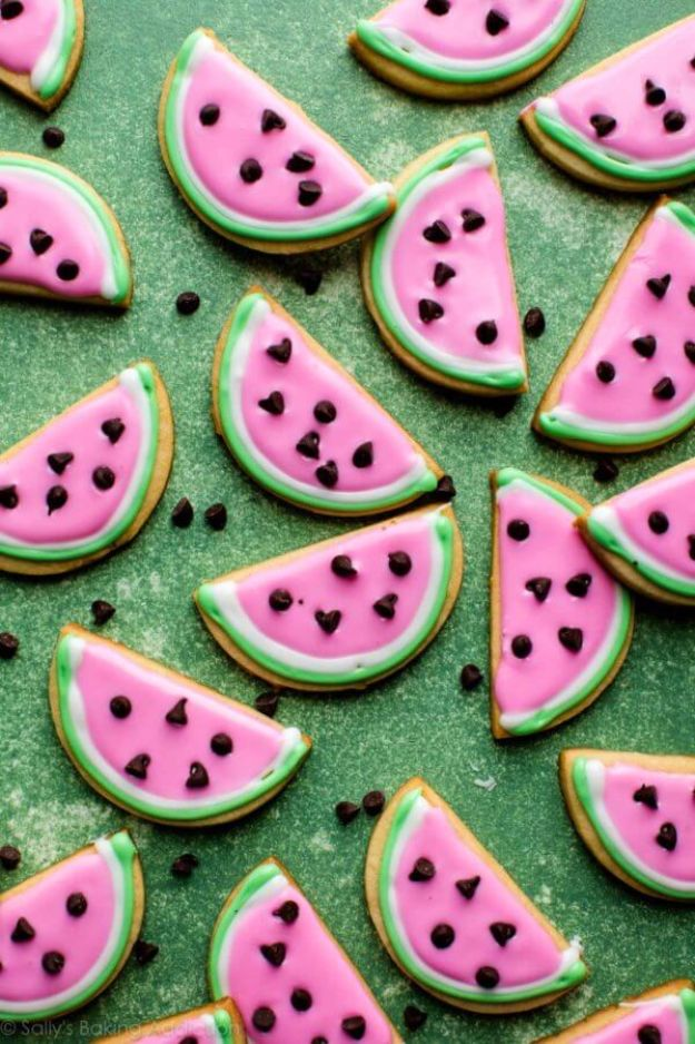 Cool Cookie Decorating Ideas - Watermelon Sugar Cookies - Easy Ways To Decorate Cute, Adorable Cookies - Quick Recipes and Simple Decorating Tips With Icing, Candy, Chocolate, Buttercream Frosting and Fruit - Best Party Trays and Cookie Arrangements http://diyjoy.com/cookie-decorating-ideas
