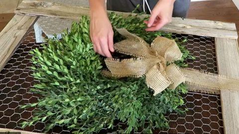DIY Boxwood Farmhouse Wreath   DIY Joy Projects and Crafts Ideas