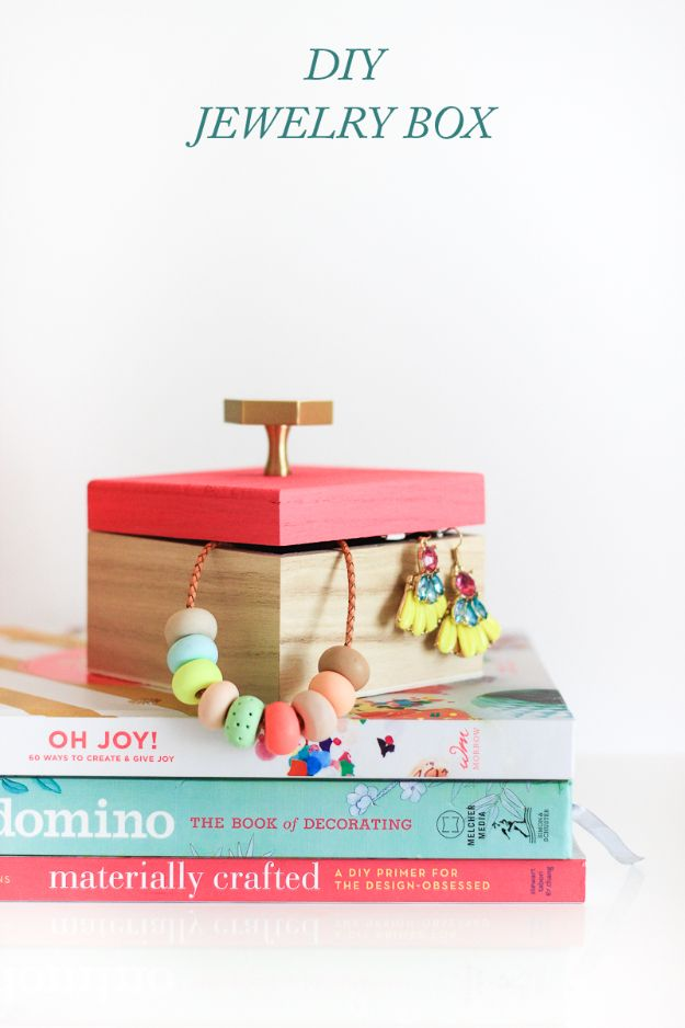 DIY Jewelry Ideas - 10 Minute DIY Jewelry Box - How To Make the Coolest Jewelry Ideas For Kids and Teens - Homemade Wooden and Plastic Jewelry Box Plans - Easy Cardboard Gift Ideas - Cheap Wall Makeover and Organizer Projects With Drawers Men http://diyjoy.com/diy-jewelry-boxes-storage