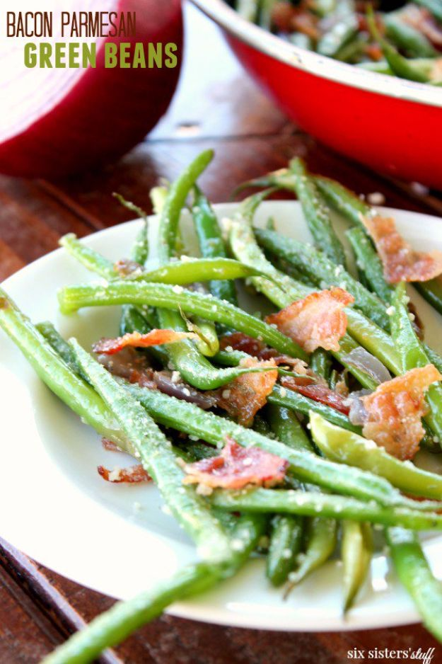 Best Thanksgiving Side Dishes - Bacon Parmesan Green Beans - Easy Make Ahead and Crockpot Versions of the Best Thanksgiving Recipes #thanksgiving #recipes