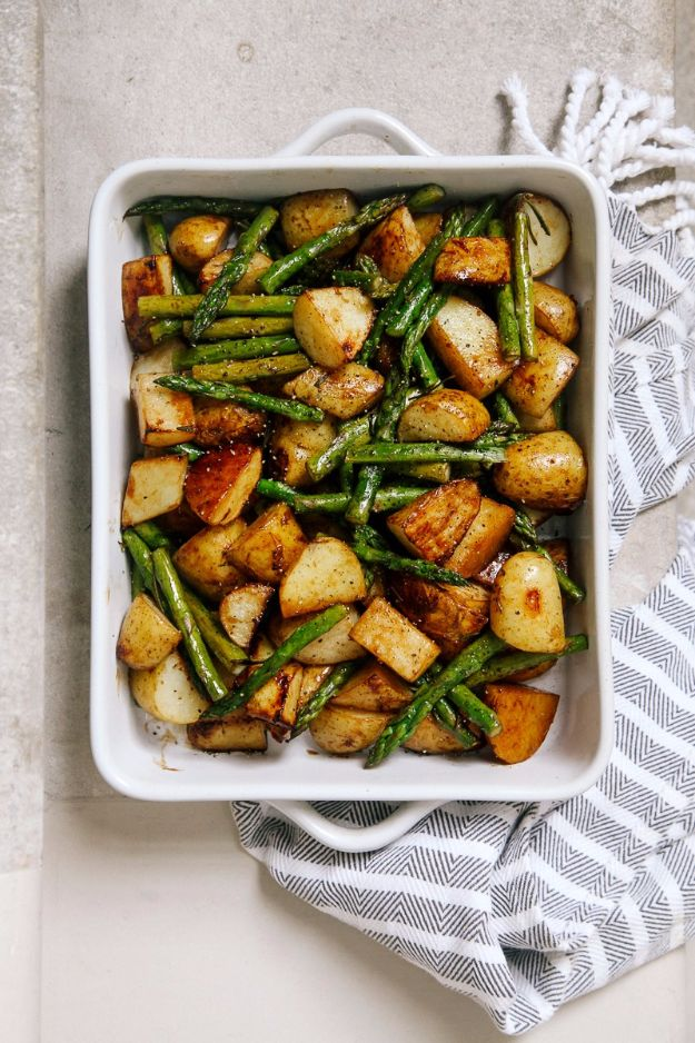 Potato Recipes - Balsamic Roasted New Potatoes With Asparagus - Easy, Quick and Healthy Potato Recipes - How To Make Roasted, In Oven, Fried, Mashed and Red Potatoes - Easy Potato Side Dishes and Soup Recipe Ideas for Dinner, Breakfast, Lunch, Appetizer and Snack http://diyjoy.com/potato-recipes