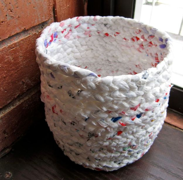 DIY Ideas With Plastic Bags - Basket Out of Plastic Bags - How To Make Fun Upcycling Ideas and Crafts - Awesome Storage Projects Using Recycling - Coolest Craft Projects, Life Hacks and Ways To Upcycle a Plastic Bag #recycling #upcycling #crafts #diyideas
