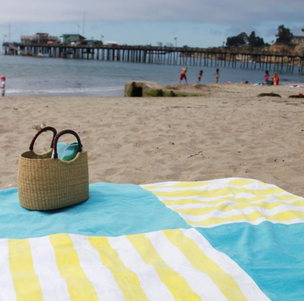 DIY Ideas With Old Towels - Bountiful Beach Blankets - Cool Crafts To Make With An Old Towel - Cheap Do It Yourself Gifts and Home Decor on A Budget budget craft ideas #crafts #diy