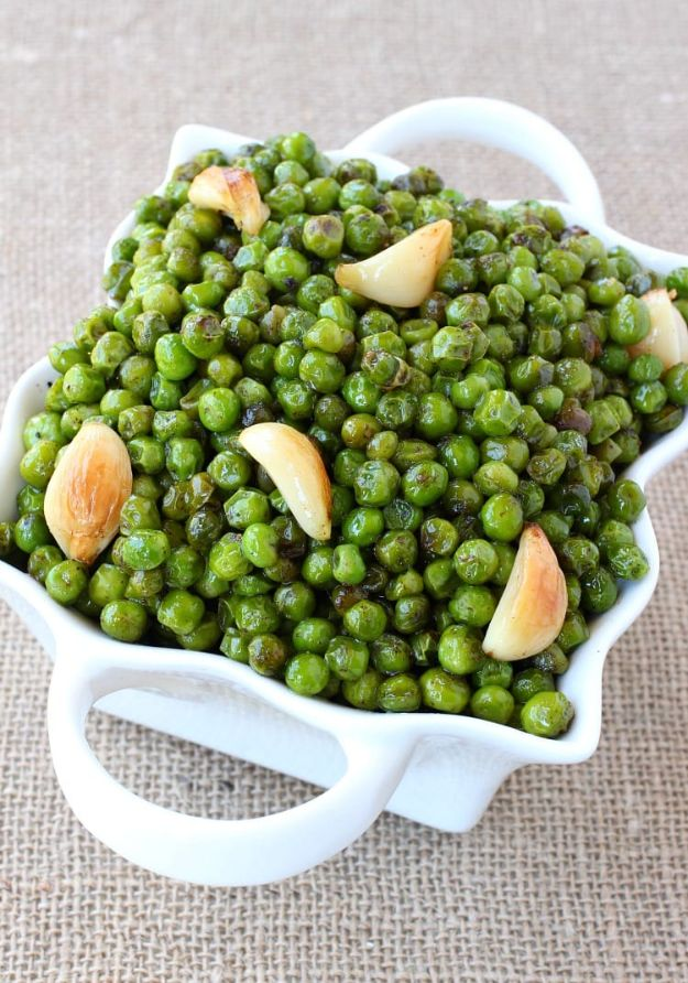 Best Thanksgiving Side Dishes - Brown Butter and Garlic Roasted Peas - Easy Make Ahead and Crockpot Versions of the Best Thanksgiving Recipes #thanksgiving #recipes