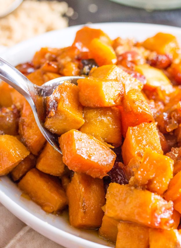 Best Thanksgiving Side Dishes - Brown Sugar Bacon Roasted Sweet Potatoes - Easy Make Ahead and Crockpot Versions of the Best Thanksgiving Recipes #thanksgiving #recipes