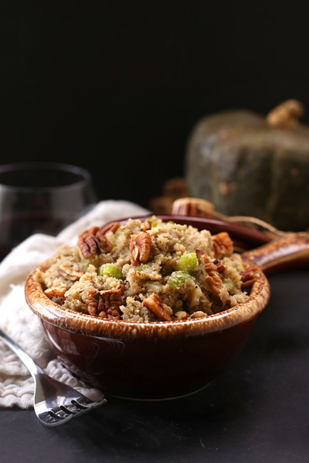 Healthy Thanksgiving Recipes - Cauliflower Rice Stuffing - Low fat Versions of Your Favorite Holiday Recipe for Turkey, Stuffing, Gravy, Pie and Desserts, Appetizers, Vegetables and Side Dishes like Spinach, Broccoli, Cranberries, Mashed Potatoes, Sweet Potatoes and Green Beans - Easy and Quick Last Minute Thanksgiving Recipes for Low Carb, Low Fat and Clean Eating Diets http://diyjoy.com/healthy-thanksgiving-recipes
