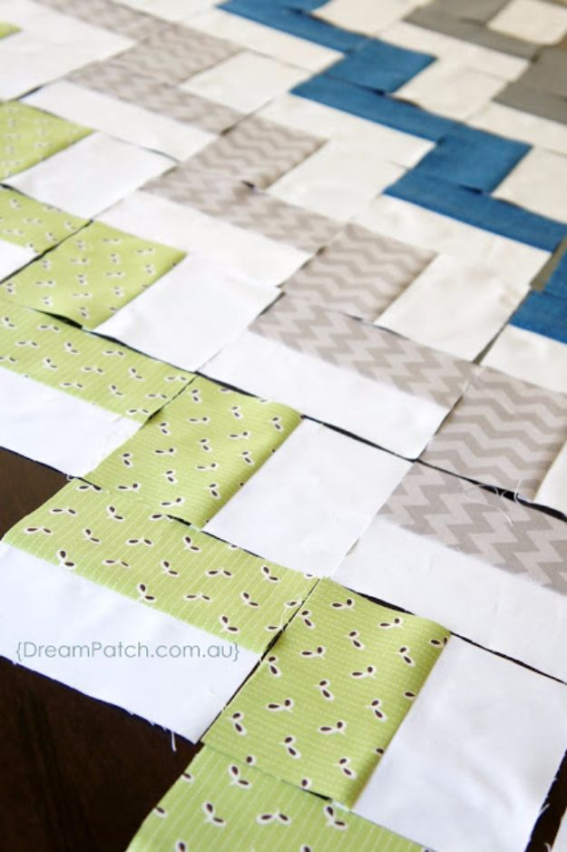 Best Quilts to Make This Weekend - Chevron Quilt - Free Quilt Patterns and Quilting Tutorials - Quilting for Beginners and Sewing Ideas - DIY Baby Quilts, Printables, New and Easy Modern Quilts, Jelly Roll, Quilt Squares, Fat Quarters and Scrap Ideas #diy #quilting #sewing