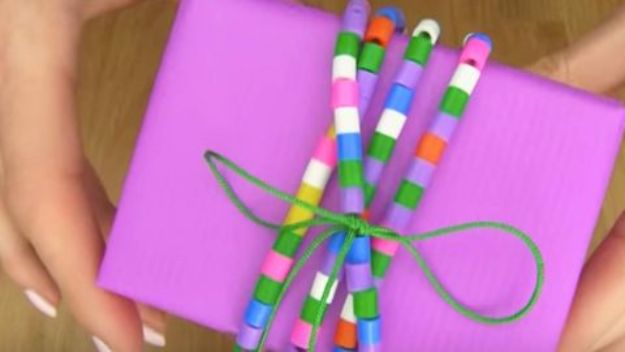 Cool Gift Wrapping Ideas - Creative Gift Wrapping - Creative Ways To Wrap Presents on A Budget - Best Christmas Gift Wrap Ideas - How To Make Gift Bags, Reuse Wrapping Paper, Make Bows and Tags - Cute and Easy Ideas for Wrapping Gifts for the Holidays - Step by Step Instructions and Photo Tutorials
