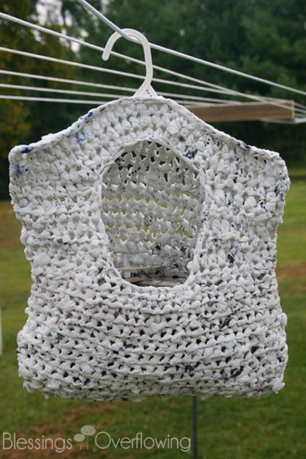 DIY Ideas With Plastic Bags - Crocheted Clothespin Bag From Plarn - How To Make Fun Upcycling Ideas and Crafts - Awesome Storage Projects Using Recycling - Coolest Craft Projects, Life Hacks and Ways To Upcycle a Plastic Bag #recycling #upcycling #crafts #diyideas