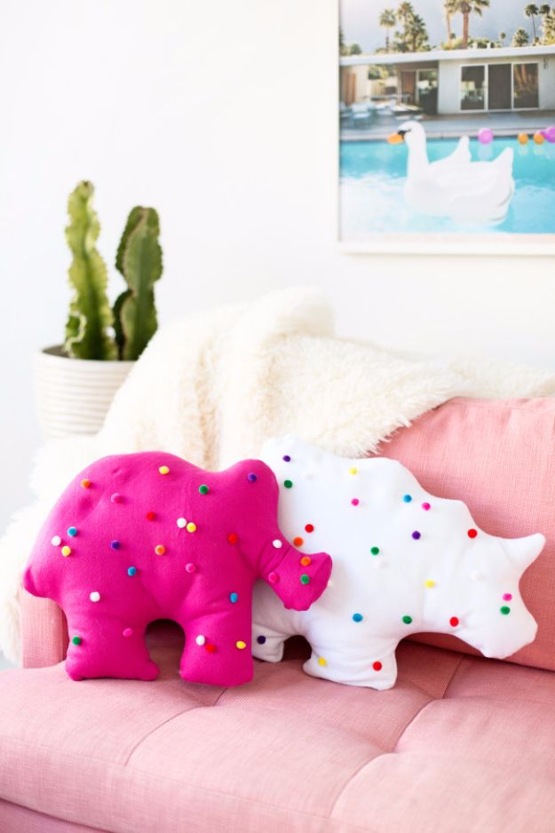 Cool Gifts to Make For Mom - DIY Circus Animal Cookie Pillows - DIY Gift Ideas and Christmas Presents for Your Mother, Mother-In-Law, Grandma, Stepmom - Creative , Holiday Crafts and Cheap DIY Gifts for The Holidays - Thoughtful Homemade Spa Day Gifts, Creative Wall Art, Special Ideas for Her - Easy Xmas Gifts to Make With Step by Step Tutorials and Instructions http://diyjoy.com/cheap-holiday-gift-ideas-to-make