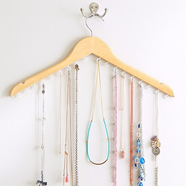 DIY Jewelry Ideas - DIY Clothes Hanger Jewelry Storage - How To Make the Coolest Jewelry Ideas For Kids and Teens - Homemade Wooden and Plastic Jewelry Box Plans - Easy Cardboard Gift Ideas - Cheap Wall Makeover and Organizer Projects With Drawers Men http://diyjoy.com/diy-jewelry-boxes-storage
