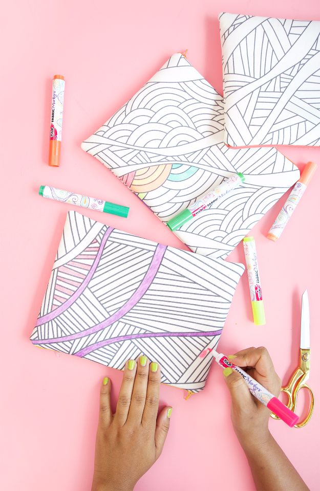 Last Minute Christmas Gifts - DIY Coloring Book Fabrics - Quick DIY Gift Ideas and Easy Christmas Presents To Make for Mom, Dad, Family and Friends - Dollar Store Crafts and Cheap Homemade Gifts