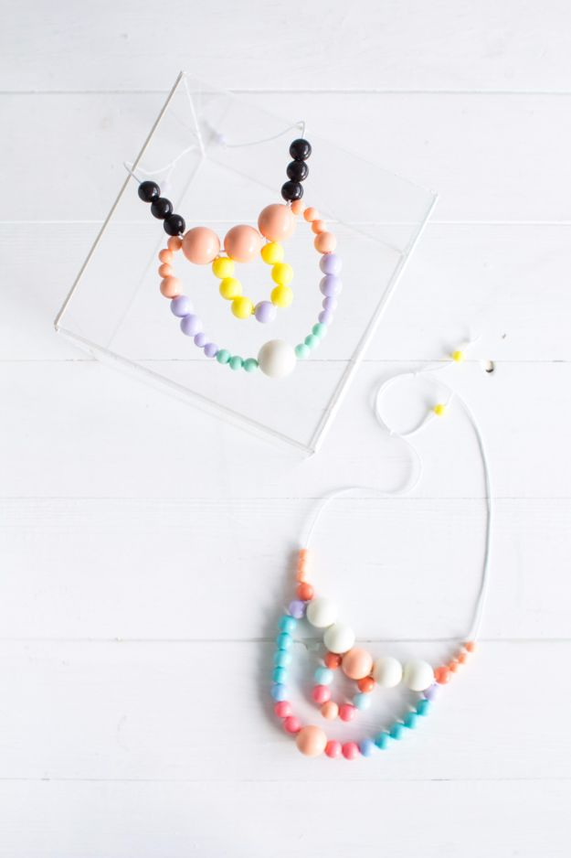 Last Minute Christmas Gifts - DIY Easy Beaded Necklaces - Quick DIY Gift Ideas and Easy Christmas Presents To Make for Mom, Dad, Family and Friends - Dollar Store Crafts and Cheap Homemade Gifts, Mason Jar Ideas for Gifts in A Jar, Cute and Creative Things To Make In A Hurry http://diyjoy.com/last-minute-gift-ideas-christmas