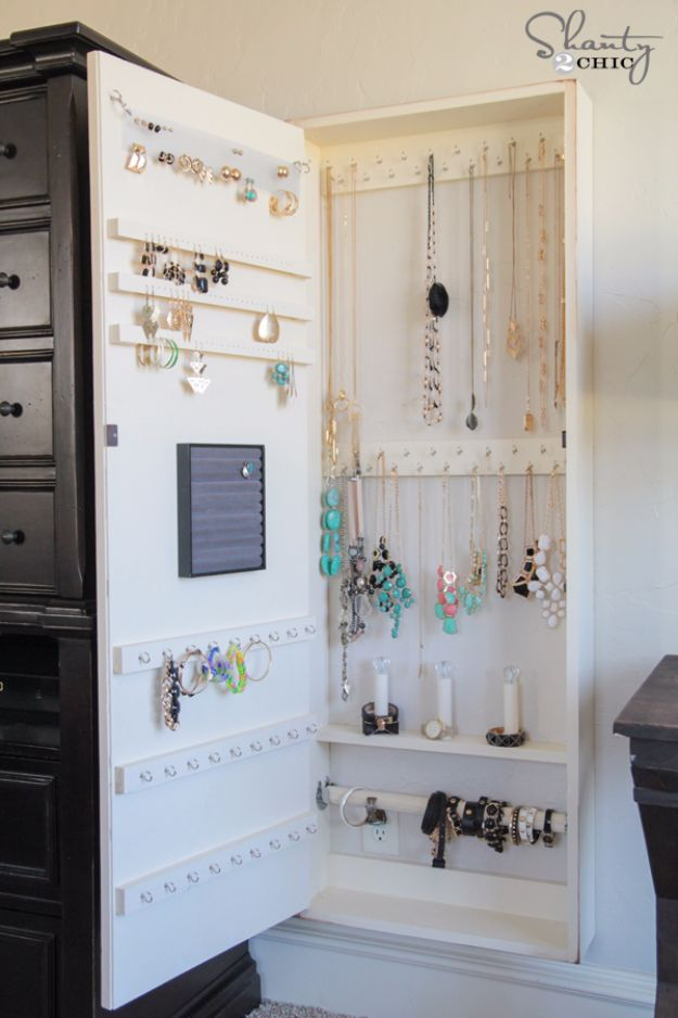 DIY Jewelry Ideas - DIY Jewelry Organizer - How To Make the Coolest Jewelry Ideas For Kids and Teens - Homemade Wooden and Plastic Jewelry Box Plans - Easy Cardboard Gift Ideas - Cheap Wall Makeover and Organizer Projects With Drawers Men http://diyjoy.com/diy-jewelry-boxes-storage