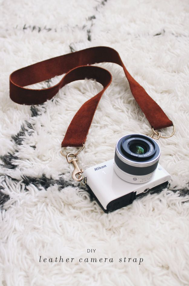 Last Minute Christmas Gifts - DIY Leather Camera Strap - Quick DIY Gift Ideas and Easy Christmas Presents To Make for Mom, Dad, Family and Friends - Dollar Store Crafts and Cheap Homemade Gifts