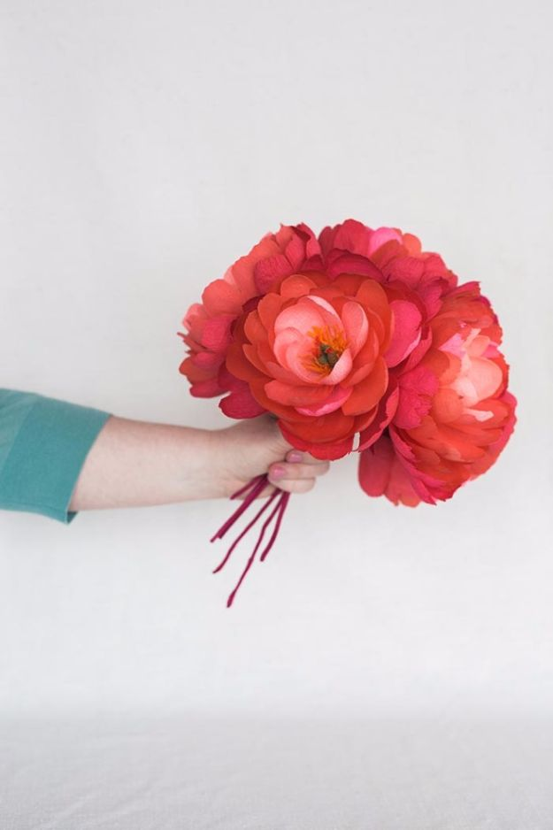 DIY Paper Flowers - DIY Paper Coral Charm Peony - How To Make A Paper Flower - Large Wedding Backdrop for Wall Decor - Easy Tissue Paper Flower Tutorial for Kids - Giant Projects for Photo Backdrops - Daisy, Roses, Bouquets, Centerpieces - Cricut Template and Step by Step Tutorial http://diyjoy.com/diy-paper-flowers