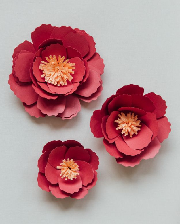DIY Paper Flowers - DIY Paper Peonies - How To Make A Paper Flower - Large Wedding Backdrop for Wall Decor - Easy Tissue Paper Flower Tutorial for Kids - Giant Projects for Photo Backdrops - Daisy, Roses, Bouquets, Centerpieces - Cricut Template and Step by Step Tutorial http://diyjoy.com/diy-paper-flowers