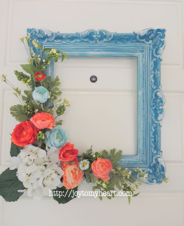 33 creative diy ideas to make with old picture frames diy ideas with old picture frames diy picture frame wreath cool crafts to make solutioingenieria Gallery