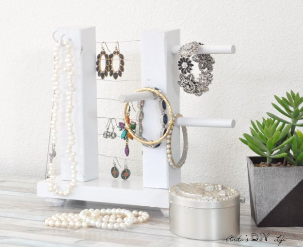 DIY Jewelry Ideas - DIY Table top Jewelry Holder from Scrap Wood - How To Make the Coolest Jewelry Ideas For Kids and Teens - Homemade Wooden and Plastic Jewelry Box Plans - Easy Cardboard Gift Ideas - Cheap Wall Makeover and Organizer Projects With Drawers Men http://diyjoy.com/diy-jewelry-boxes-storage