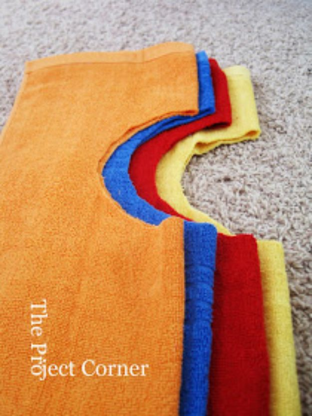 DIY Ideas With Old Towels - DIY Towel Bibs - Cool Crafts To Make With An Old Towel - Cheap Do It Yourself Gifts and Home Decor on A Budget - Creative But Cheap Ideas for Decorating Your House and Room - Upcycle Those Towels Instead of Throwing Them Away! http://diyjoy.com/diy-ideas-old-towels