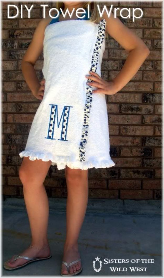 DIY Ideas With Old Towels - DIY Towel Wrap - Cool Crafts To Make With An Old Towel - Cheap Do It Yourself Gifts and Home Decor on A Budget - Creative But Cheap Ideas for Decorating Your House and Room - Upcycle Those Towels Instead of Throwing Them Away! http://diyjoy.com/diy-ideas-old-towels