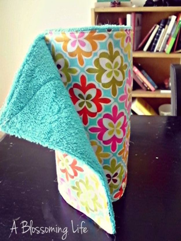 DIY Ideas With Old Towels - DIY Unpaper Towels - Cool Crafts To Make With An Old Towel - Cheap Do It Yourself Gifts and Home Decor on A Budget - Creative But Cheap Ideas for Decorating Your House and Room - Upcycle Those Towels Instead of Throwing Them Away! http://diyjoy.com/diy-ideas-old-towels