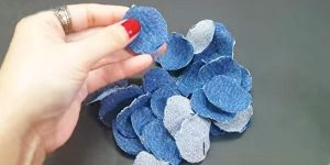 Woman Cuts 22 Circles Out Of Denim And Makes An Item You'll Definitely Want!