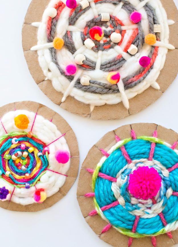 DIY Ideas With Cardboard - Easy Cardboard Circle Weaving - How To Make Room Decor Crafts for Kids - Easy and Crafty Storage Ideas For Room - Toilet Paper Roll Projects Tutorials - Fun Furniture Ideas with Cardboard - Cheap, Quick and Easy Wall Decorations http://diyjoy.com/diy-ideas-cardboard