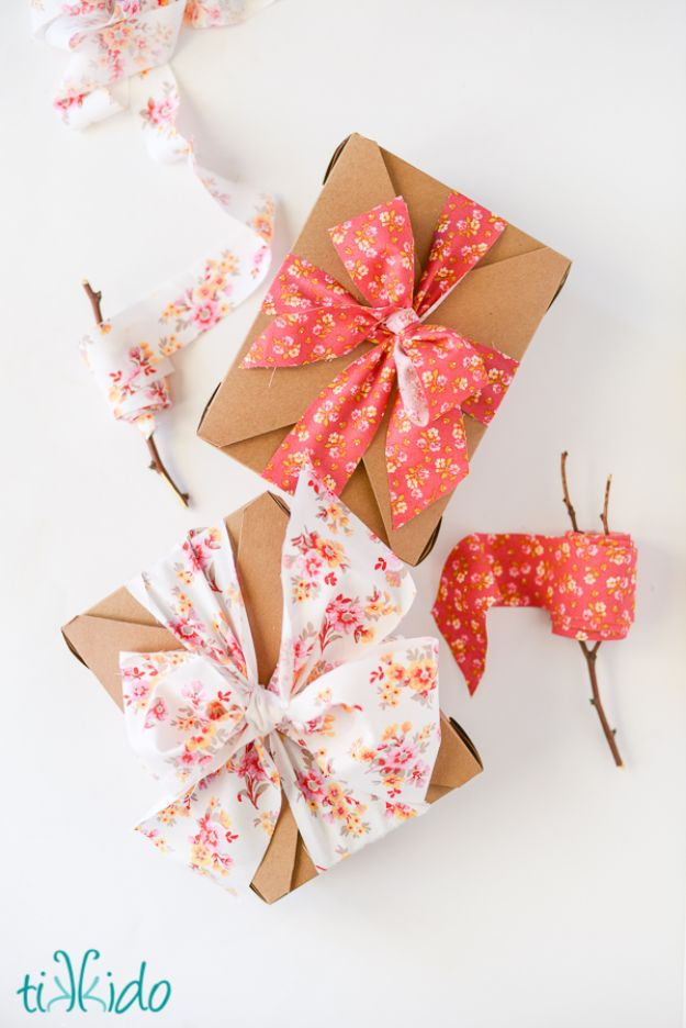 50 creative bows to make for your christmas packages for Can i make my own wedding dress