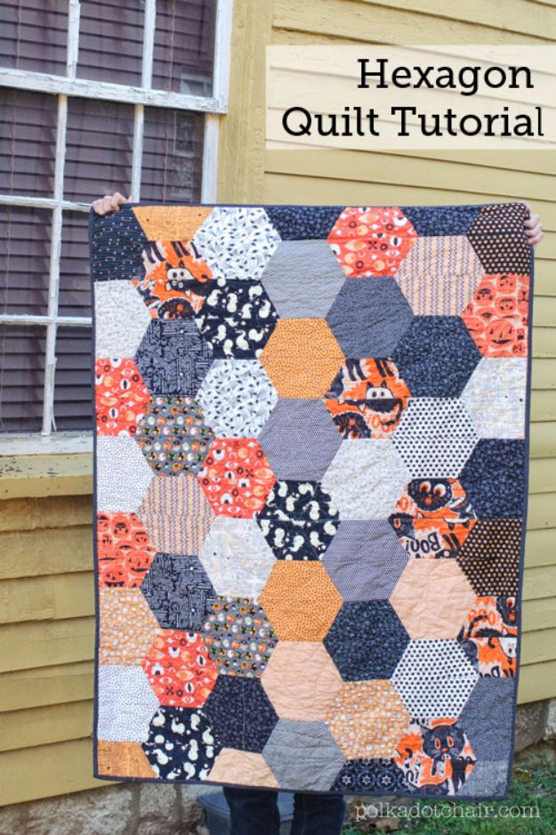 Best Quilts to Make This Weekend - Large Hexagon Quilt - Free Quilt Patterns and Quilting Tutorials - Quilting for Beginners and Sewing Ideas - DIY Baby Quilts, Printables, New and Easy Modern Quilts, Jelly Roll, Quilt Squares, Fat Quarters and Scrap Ideas #diy #quilting #sewing