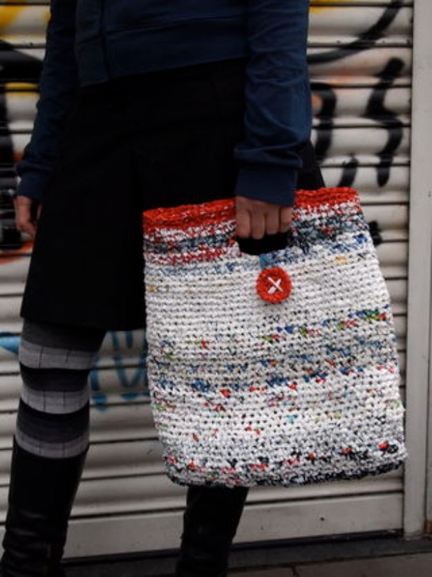 DIY Ideas With Plastic Bags - Make a Plarn Shopper - How To Make Fun Upcycling Ideas and Crafts - Awesome Storage Projects Using Recycling - Coolest Craft Projects, Life Hacks and Ways To Upcycle a Plastic Bag #recycling #upcycling #crafts #diyideas