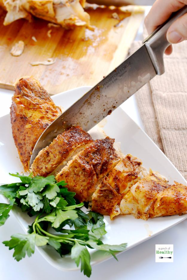 Healthy Thanksgiving Recipes - Oven Roasted Turkey Breast - Low fat Versions of Your Favorite Holiday Recipe for Turkey, Stuffing, Gravy, Pie and Desserts, Appetizers, Vegetables and Side Dishes like Spinach, Broccoli, Cranberries, Mashed Potatoes, Sweet Potatoes and Green Beans - Easy and Quick Last Minute Thanksgiving Recipes for Low Carb, Low Fat and Clean Eating Diets http://diyjoy.com/healthy-thanksgiving-recipes