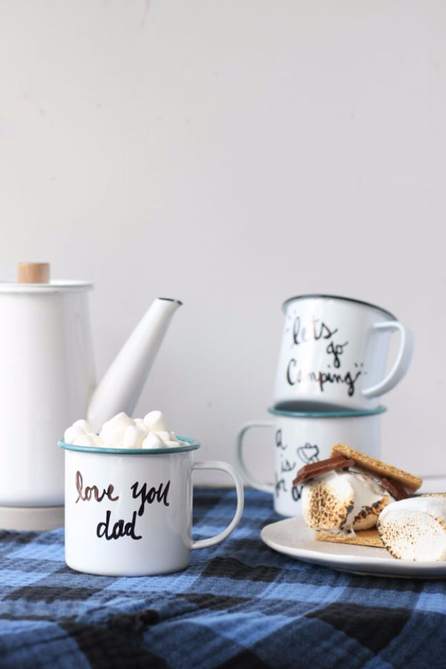 Last Minute Christmas Gifts - Personalized Enamel Mug - Quick DIY Gift Ideas and Easy Christmas Presents To Make for Mom, Dad, Family and Friends - Dollar Store Crafts and Cheap Homemade Gifts, Mason Jar Ideas for Gifts in A Jar, Cute and Creative Things To Make In A Hurry http://diyjoy.com/last-minute-gift-ideas-christmas