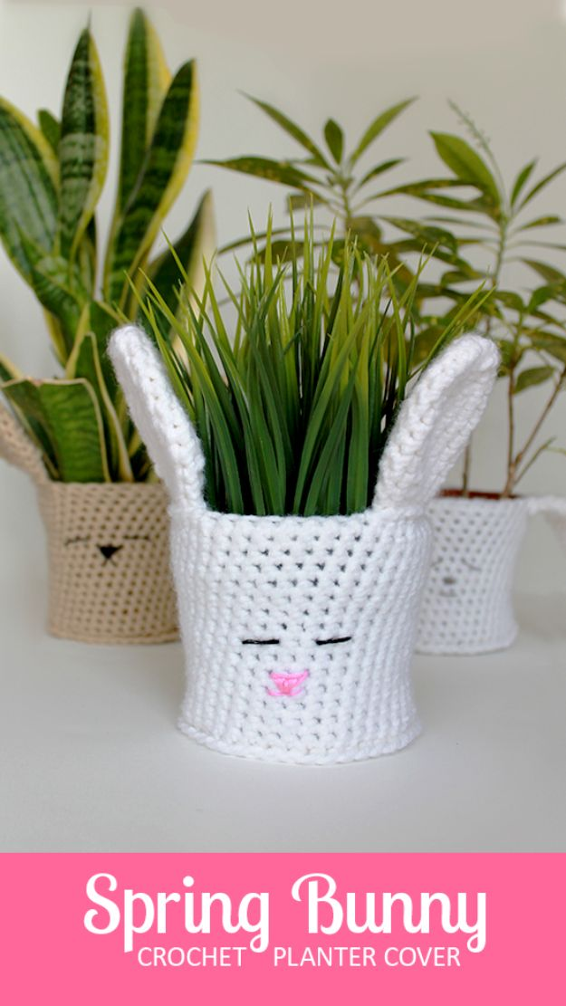 DIY Ideas With Plastic Bags - Plastic Bag Planter Cover - How To Make Fun Upcycling Ideas and Crafts - Awesome Storage Projects Using Recycling - Coolest Craft Projects, Life Hacks and Ways To Upcycle a Plastic Bag #recycling #upcycling #crafts #diyideas