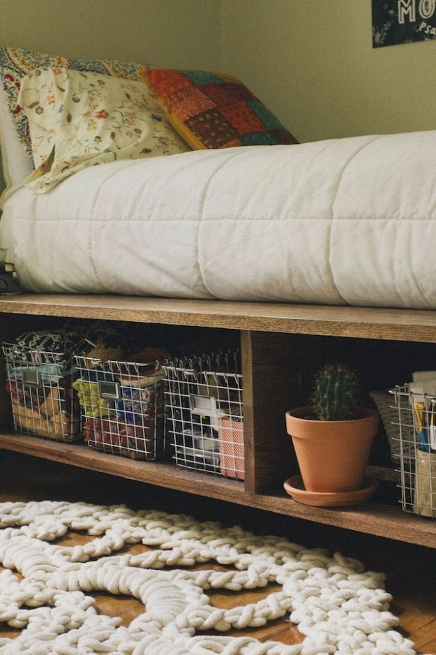 DIY Platform Beds - Platform Bed With Storage And Baskets - Easy Do It Yourself Bed Projects - Step by Step Tutorials for Bedroom Furniture - Learn How To Make Twin, Full, King and Queen Size Platforms - With Headboard, Storage, Drawers, Made from Pallets - Cheap Ideas You Can Make on a Budget http://diyjoy.com/diy-platform-beds