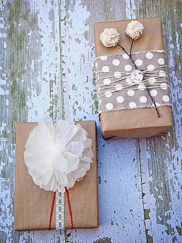 Cool Gift Wrapping Ideas - Pom Pom Stick and Wax Bow - Creative Ways To Wrap Presents on A Budget - Best Christmas Gift Wrap Ideas - How To Make Gift Bags, Reuse Wrapping Paper, Make Bows and Tags - Cute and Easy Ideas for Wrapping Gifts for the Holidays - Step by Step Instructions and Photo Tutorials http://diyjoy.com/gift-wrapping-tutorials