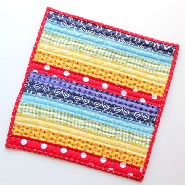 Best Quilts to Make This Weekend - Rainbow Mini Quilt - Free Quilt Patterns and Quilting Tutorials - Quilting for Beginners and Sewing Ideas - DIY Baby Quilts, Printables, New and Easy Modern Quilts, Jelly Roll, Quilt Squares, Fat Quarters and Scrap Ideas #diy #quilting #sewing
