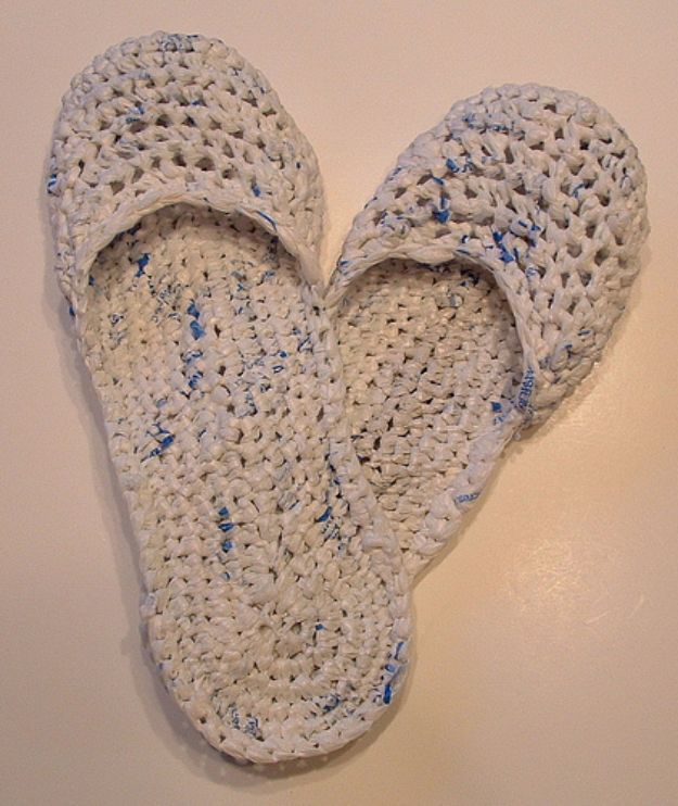 DIY Ideas With Plastic Bags - Recycled Plastic Bag Sandals - How To Make Fun Upcycling Ideas and Crafts - Awesome Storage Projects Using Recycling - Coolest Craft Projects, Life Hacks and Ways To Upcycle a Plastic Bag #recycling #upcycling #crafts #diyideas