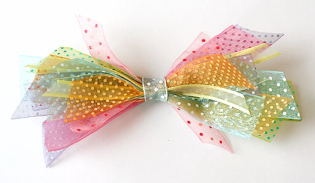 50 Creative Bows To Make For Your Christmas Packages