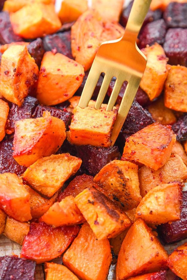 Best Thanksgiving Side Dishes - Roasted Beets and Sweet Potatoes - Easy Make Ahead and Crockpot Versions of the Best Thanksgiving Recipes #thanksgiving #recipes
