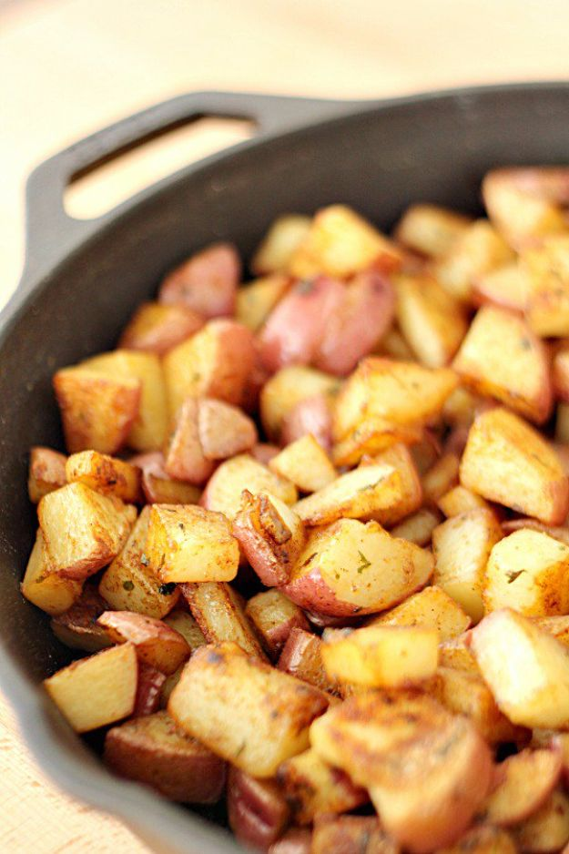 Potato Recipes - Skillet Red Potatoes - Easy, Quick and Healthy Potato Recipes - How To Make Roasted, In Oven, Fried, Mashed and Red Potatoes - Easy Potato Side Dishes and Soup Recipe Ideas for Dinner, Breakfast, Lunch, Appetizer and Snack http://diyjoy.com/potato-recipes