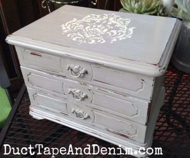 DIY Jewelry Ideas - Stenciled Jewelry Box - How To Make the Coolest Jewelry Ideas For Kids and Teens - Homemade Wooden and Plastic Jewelry Box Plans - Easy Cardboard Gift Ideas - Cheap Wall Makeover and Organizer Projects With Drawers Men http://diyjoy.com/diy-jewelry-boxes-storage