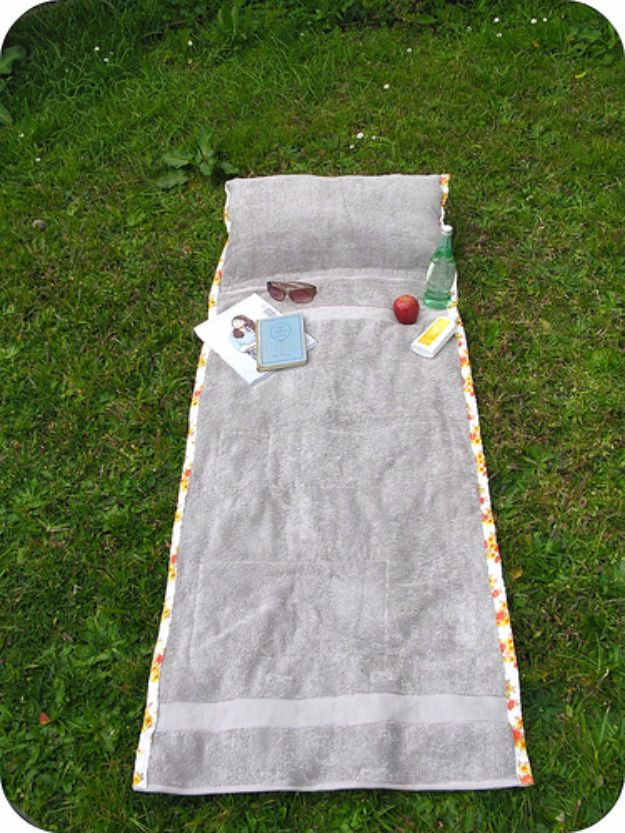 DIY Ideas With Old Towels - Sunbathing Companion - Cool Crafts To Make With An Old Towel - Cheap Do It Yourself Gifts and Home Decor on A Budget - Creative But Cheap Ideas for Decorating Your House and Room - Upcycle Those Towels Instead of Throwing Them Away! http://diyjoy.com/diy-ideas-old-towels