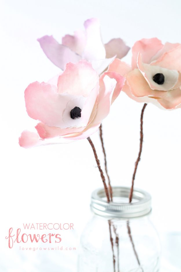 DIY Paper Flowers - Watercolor Flowers - How To Make A Paper Flower - Large Wedding Backdrop for Wall Decor - Easy Tissue Paper Flower Tutorial for Kids - Giant Projects for Photo Backdrops - Daisy, Roses, Bouquets, Centerpieces - Cricut Template and Step by Step Tutorial