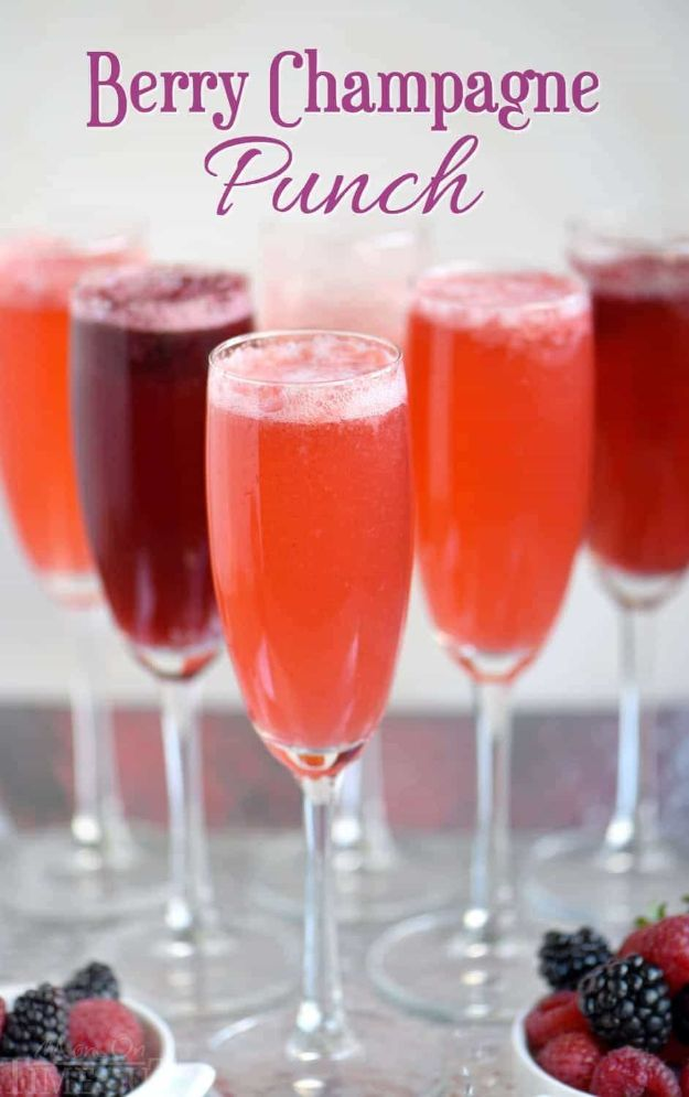 Best Drink Recipes for New Years Eve - Berry Champagne Punch - Creative Cocktails, Drinks, Champagne Toasts, and Punch Mixes for A New Year's Eve Party - Ideas for Serving, Glasses, Fun Ideas for Shots and Cocktails - Easy Vodka Recipes, Non Alcoholic, Whisky Rum and Party Punches #newyearseve